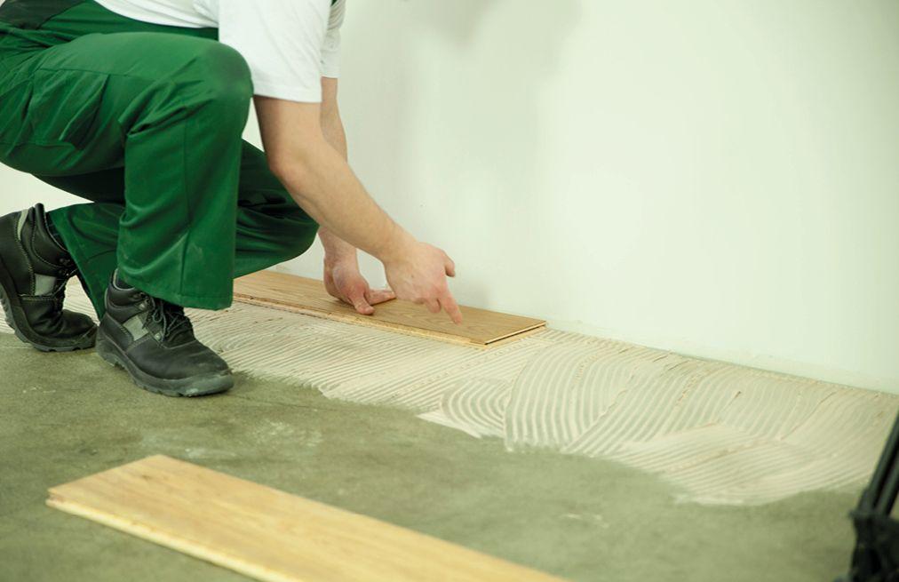 Montaż Deski Barlineckiej (deski podłogowej) na klej   Barlinek